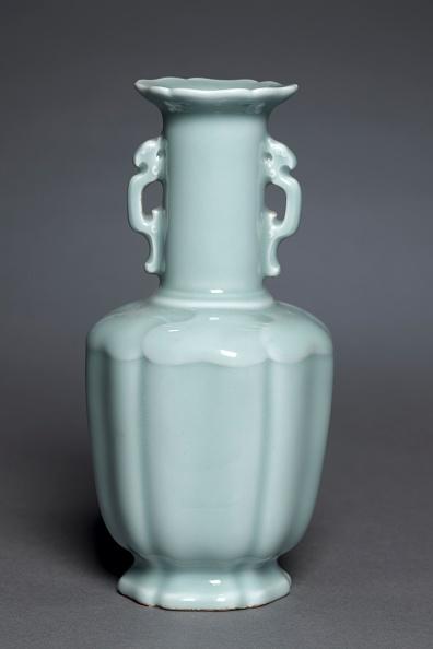 Handle「Vase With Dragon Handles」:写真・画像(18)[壁紙.com]