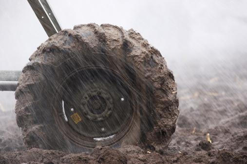 Plowed Field「Muddy Tire Agriculture Irrigation Sprinkler」:スマホ壁紙(15)