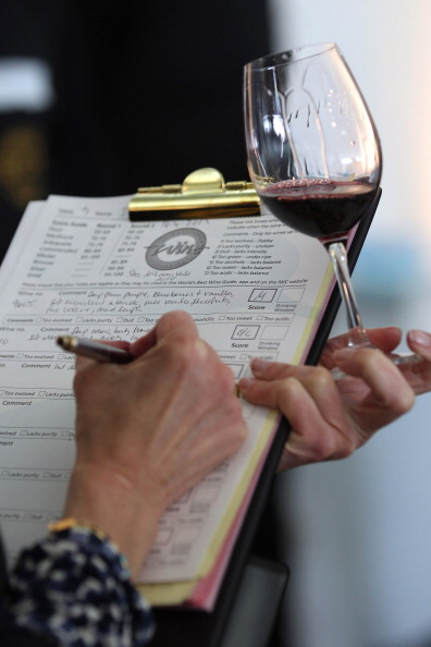 Red Wine「Experts Judge The Annual International Wine Challenge」:写真・画像(16)[壁紙.com]