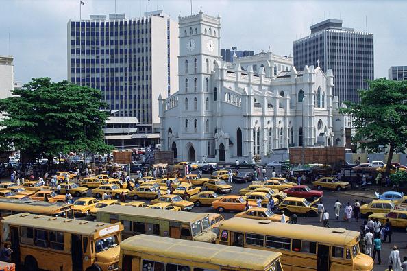 Traffic「City Scene, Lagos, Nigeria」:写真・画像(1)[壁紙.com]