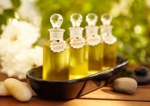 Single Flower「Massage oil bottles at spa」:スマホ壁紙(17)
