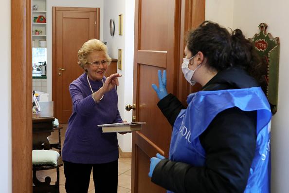 Lifestyles「Italian Daily Life Comes To A Halt During Coronavirus Shutdown」:写真・画像(18)[壁紙.com]