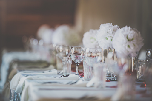 Decorating「Wedding Birthday Reception Decoration, Chairs, Tables and Flowers」:スマホ壁紙(13)