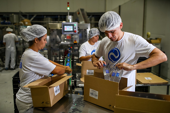 Industry「Ambev Pioneers in Diverting from its Core Business to Produce Hand Sanitizers to be Donated to Hospitals Amidst the Coronavirus (COVID -19) Pandemic」:写真・画像(5)[壁紙.com]