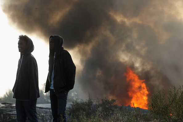 Calais「Migrants Leave The Jungle Refugee Camp In Calais」:写真・画像(9)[壁紙.com]
