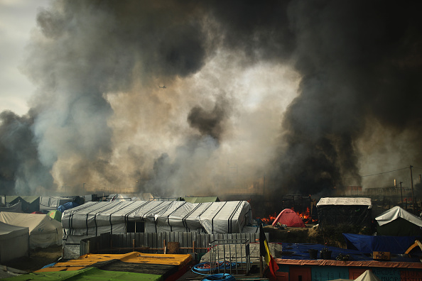 Calais「Migrants Leave The Jungle Refugee Camp In Calais」:写真・画像(14)[壁紙.com]