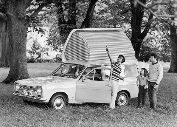 Camping「1968 Ford Escort Dormobile Elba. Creator: Unknown.」:写真・画像(5)[壁紙.com]