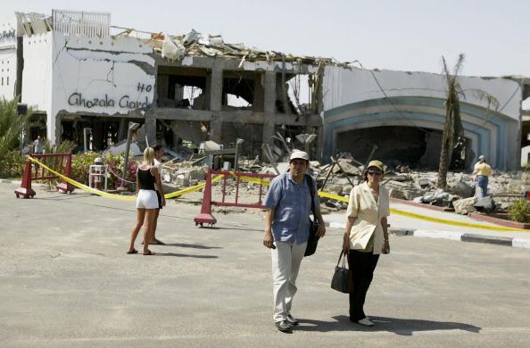 Uriel Sinai「Three Bombs Kill At Least 83 In Egyptian Resort Of Sharm El-Sheikh」:写真・画像(12)[壁紙.com]