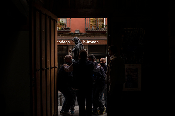 León Province - Spain「Easter Holy Week In Northern Spain Scaled Back Amid Pandemic」:写真・画像(4)[壁紙.com]