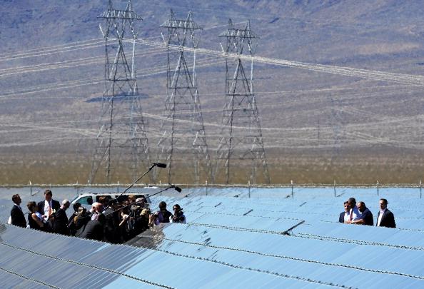 Solar Energy「President Obama Visits Largest Photovoltaic Plant In U.S. In Nevada」:写真・画像(11)[壁紙.com]
