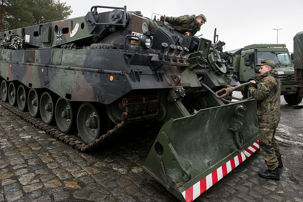 Jens-Ulrich Koch「Bundeswehr Ships Military Equipment To Lithuania」:写真・画像(19)[壁紙.com]