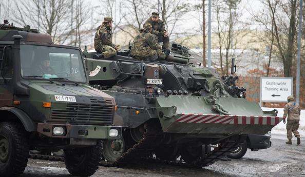 Jens-Ulrich Koch「Bundeswehr Ships Military Equipment To Lithuania」:写真・画像(13)[壁紙.com]