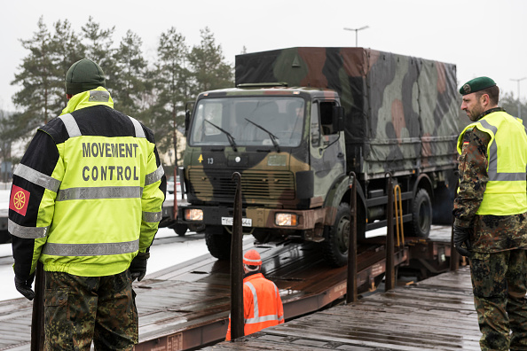 Jens-Ulrich Koch「Bundeswehr Ships Military Equipment To Lithuania」:写真・画像(18)[壁紙.com]