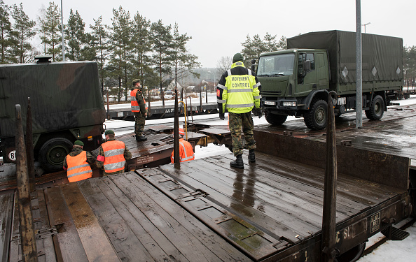 Jens-Ulrich Koch「Bundeswehr Ships Military Equipment To Lithuania」:写真・画像(11)[壁紙.com]