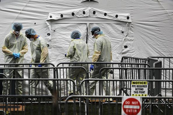 ニューヨーク市「Coronavirus Pandemic Causes Climate Of Anxiety And Changing Routines In America」:写真・画像(14)[壁紙.com]