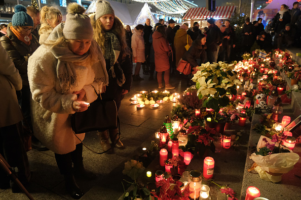 2016 Berlin Christmas Market Attack「Berlin Commemorates 2016 Christmas Market Terror Attack」:写真・画像(9)[壁紙.com]