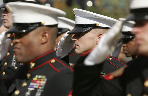 Uniform「Marine Corps Commemorative Stamps Unveiled On USMC's 230th Anniversary」:写真・画像(7)[壁紙.com]