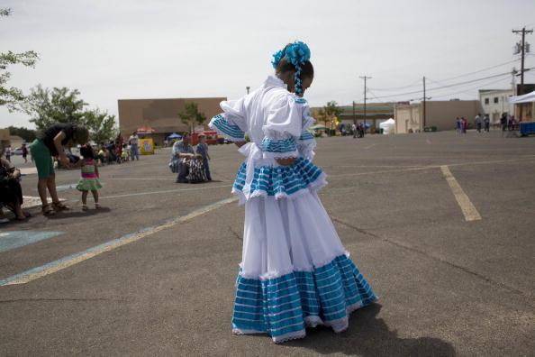 Rick Scibelli「Mexican-Americans Celebrate Cinco De Mayo」:写真・画像(0)[壁紙.com]