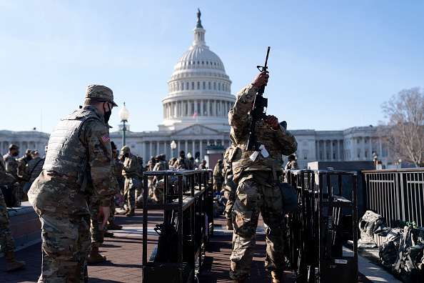 Capitol Hill「Washington, DC Prepares For Potential Unrest Ahead Of Presidential Inauguration」:写真・画像(3)[壁紙.com]