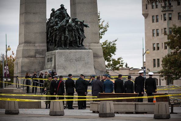 Nathan Cirillo「Ottawa On Alert After Shootings At Nation's Capitol」:写真・画像(15)[壁紙.com]
