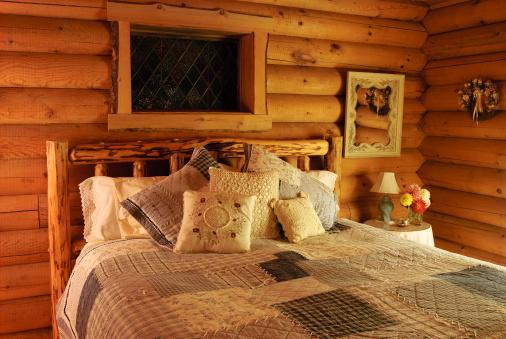Log「Log Cabin Bedroom」:スマホ壁紙(0)