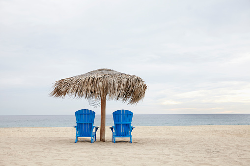 Deck Chair「Mexico, Cabo San Lucas, View of deckchairs on beach」:スマホ壁紙(6)