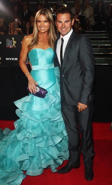 Clutch Bag「51st TV Week Logie Awards - Arrivals」:写真・画像(7)[壁紙.com]