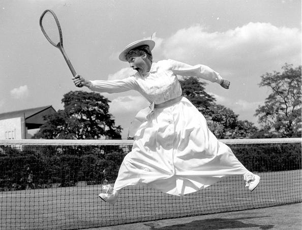 Black And White「Tennis Dress」:写真・画像(7)[壁紙.com]