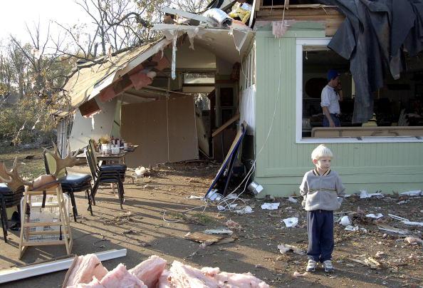 Effort「Tornado Kills At Least 22 In Indiana」:写真・画像(7)[壁紙.com]