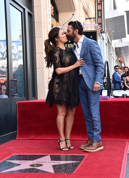 Lace Dress「Eva Longoria Honored With Star On The Hollywood Walk Of Fame」:写真・画像(14)[壁紙.com]
