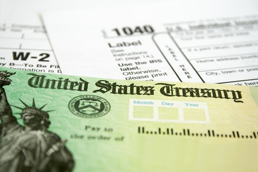Tax「Income tax refund check on tax forms」:スマホ壁紙(6)