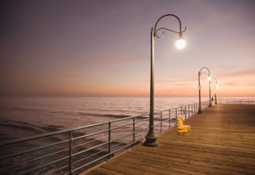 Pier「USA, California, Santa Monica, Santa Monica Pier at sunset」:スマホ壁紙(11)