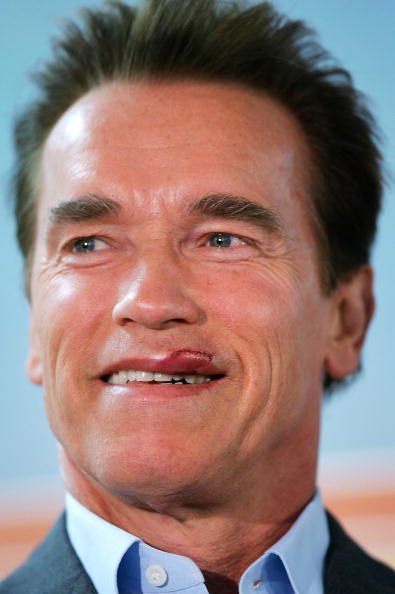 Misfortune「Schwarzenegger Discusses Child Health Insurance after his Weekend Motorcycle Accident」:写真・画像(17)[壁紙.com]