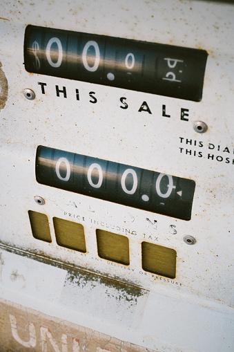 Zero「USA, California, detail of an abandoned pump station」:スマホ壁紙(2)