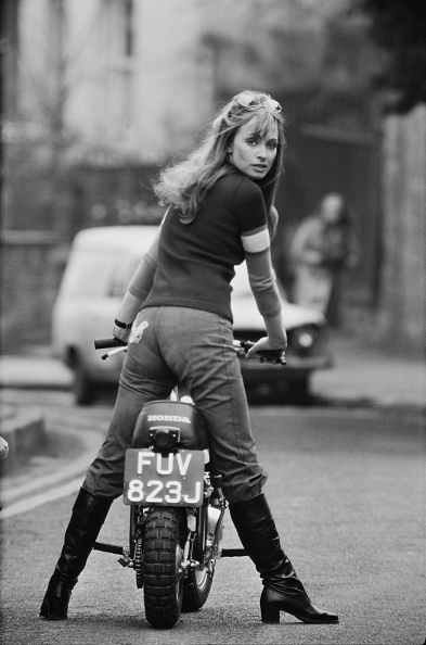 Motorcycle「Suzy Kendall」:写真・画像(15)[壁紙.com]
