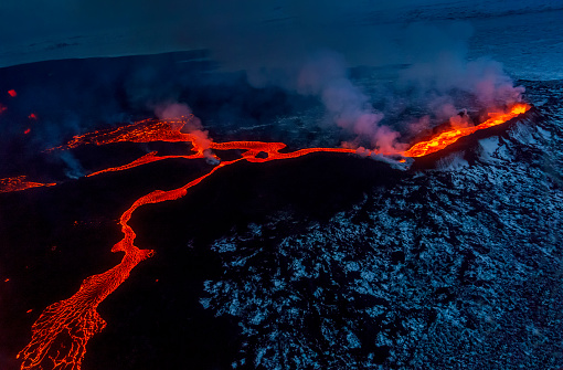 Volcano「Small part of Lava flowing, Iceland」:スマホ壁紙(4)