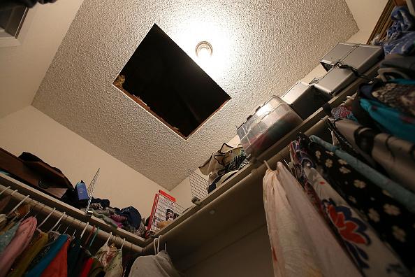 Bedroom「Community Mourns As Investigation Continues Into San Bernardino Mass Shooting」:写真・画像(18)[壁紙.com]