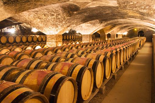 Ancient「Wine cellar」:スマホ壁紙(2)