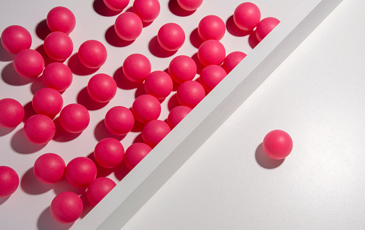 Success「One red ball separated from many others」:スマホ壁紙(2)