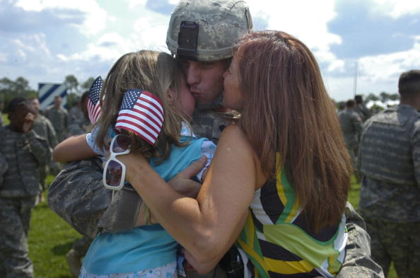 Fort Stewart「Ft. Stewart Soldiers Return Home In Time For Fourth Of July」:写真・画像(14)[壁紙.com]