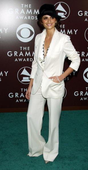 Cream Colored Shoe「The 47th Annual Grammy Awards - Arrivals」:写真・画像(15)[壁紙.com]