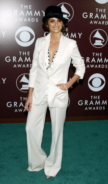 Cream Colored Shoe「The 47th Annual Grammy Awards - Arrivals」:写真・画像(18)[壁紙.com]