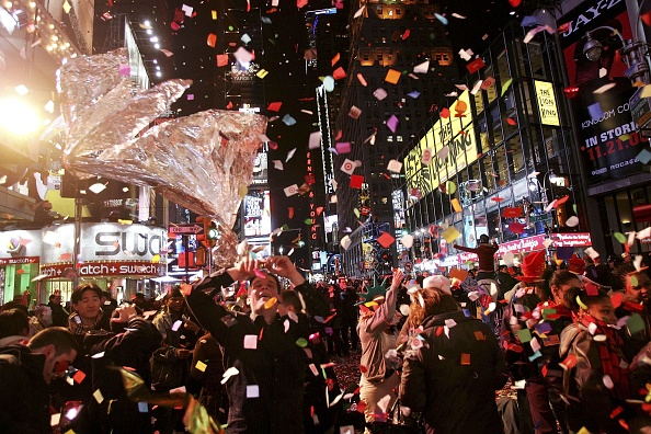 New Year's Eve「Revelers Descend on Times Square For New Years Eve」:写真・画像(18)[壁紙.com]