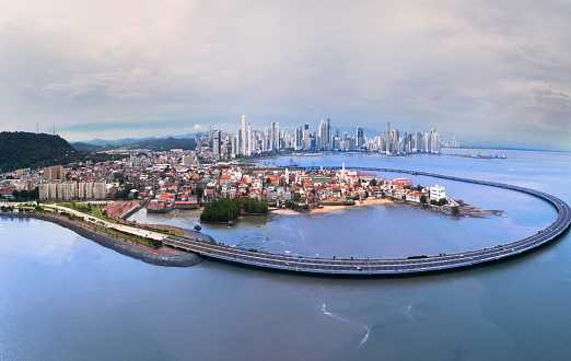 Central America「Panama City panorama with old and new towns and old town bypass」:スマホ壁紙(17)