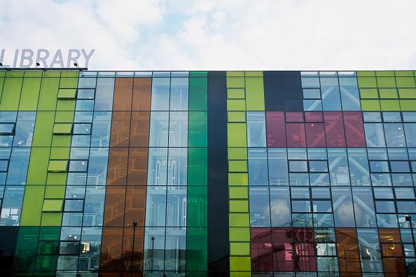 Postmodern「Facade of Peckham Library. London, United Kingdom. Designed by Will Alsop.」:写真・画像(9)[壁紙.com]