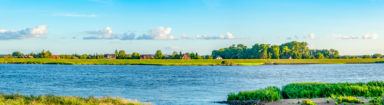 Escarpment「Elbe river panoramic」:スマホ壁紙(7)