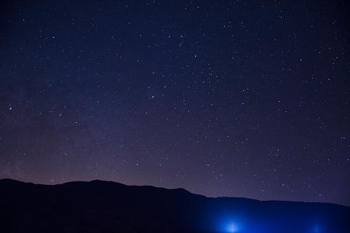 Starry sky「Hillside at night with stars」:スマホ壁紙(16)