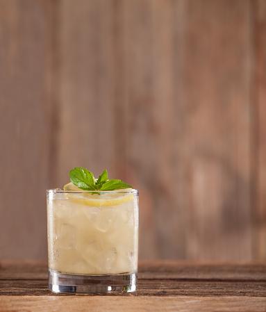 Mint Leaf - Culinary「Lemon Rye Smash Cocktail」:スマホ壁紙(4)