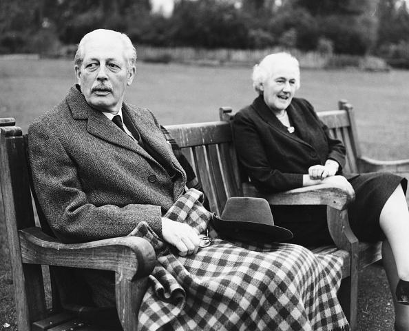 Bench「Harold Macmillan And Lady Dorothy」:写真・画像(13)[壁紙.com]