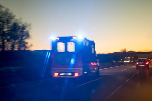 Insurance「Ambulance on Freeway at Dusk」:スマホ壁紙(15)